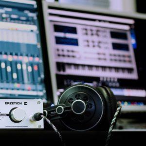 ISRC kodas /ang. International Standard Recording Code/ Norint išleisti dainą jums prireiks šio kodo. Muzikos įrašų leidimas.